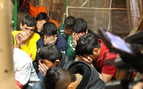 برده داری سیاه 11 کودک در دخمه مخوف یک قهوه خانه در غرب تهران + فیلم