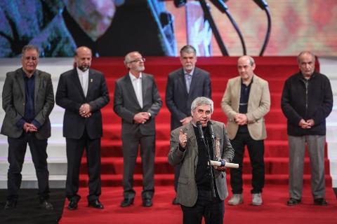 فیلم: اظهارات صریح و جنجالی ابراهیم حاتمی کیا در اختتامیه جشنواره فیلم فجر و واکنش رضا رشیدپور