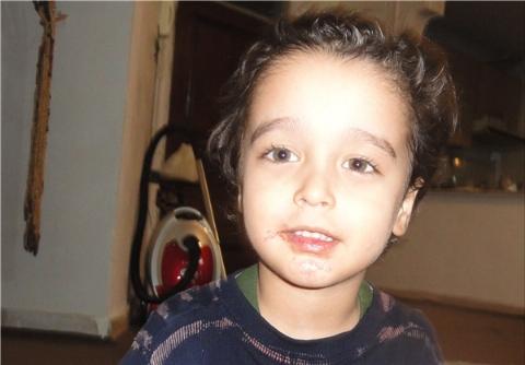 لطفا جان این دختر را نجات دهید/ تجاوز پدر معتاد به دختربچه 4 ساله/ بهزیستی دختربچه را نپذیرفت!