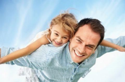 دختر بچه ای که پدرش را ادب کرد + فیلم دیدنی