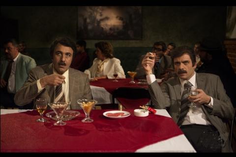 اتفاق عجیب در سالن اکران فیلم مصادره؛ رضا عطاران خطاب به مردم: هر کاری بخواهید برایتان انجام می دهم!