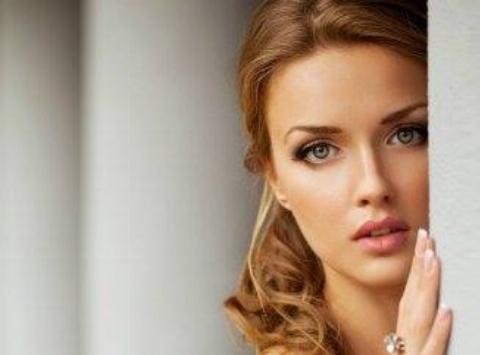 سوال عجیب دختر روس از پسران ایرانی به زبان فارسی + فیلم