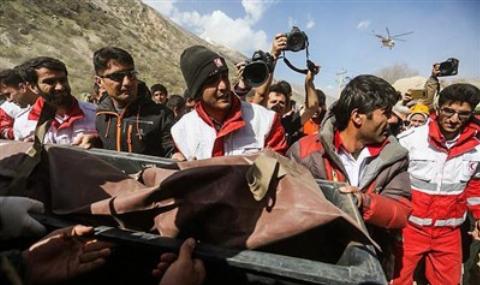 تصاویر تلخ از اجساد 11 دختر ترکیه ای که با هواپیما در ایران سقوط کردند + فیلم