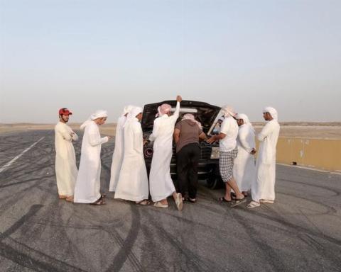 تفریح احمقانه و خطرناک سه جوان عرب در خیابان!+ فیلم