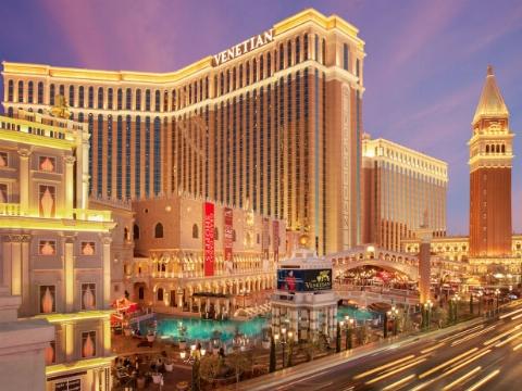 قرار عاشقانه ثروتمندترین عشاق دنیا در بهشت روی زمین/ با حیرت انگیزترین و گران ترین هتل های دنیا آشنا شوید