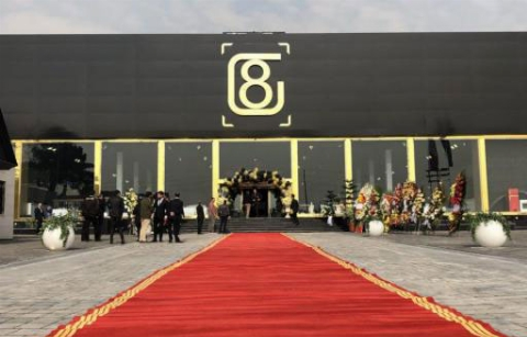 رونمایی باشکوه از اولین، کامل ترین و لوکس ترین مولتی برند ایران/ مجموعه ای از تمامی برندهای داخلی و خارجی در گلدن 8