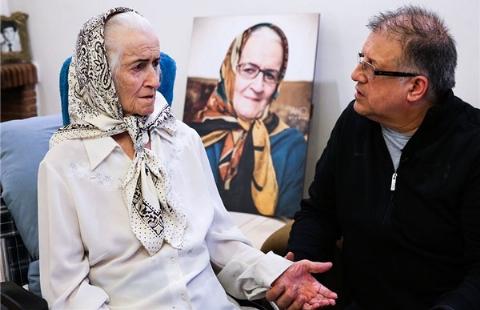 روز مادر با اولین کوزت ایران؛ فیلم عیادت از ملکه رنجبر و یادی از غلام ششلولبند معروفش