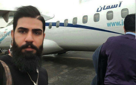تقاضای تکان دهنده مادر مشهورترین قربانی سقوط هواپیمای تهران - یاسوج: تکه تکه های بدن پسرم را نمی خواهم/عاشق بود و برای عروسی اش خواب های زیادی دیده بودیم/درخانه پدری علیرضا جامعی چندروز پیش از تحویل سال97