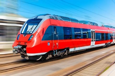 زنده بودن مرد نصف شده زیر قطار! / وحشتناک و باورنکردنی + فیلم (+16)