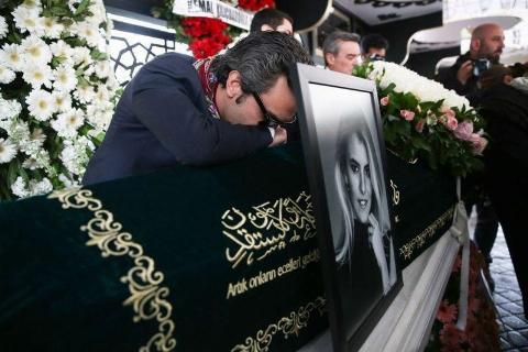 چند تکه استخوان و مقداری موی زنانه پیدا شد / راز ناپدید شدن کمک خلبان هواپیمای شخصی ترکیه چیست؟! + فیلم