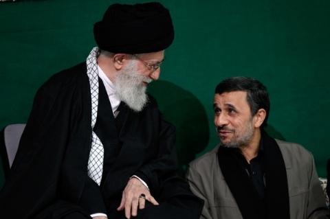 روزنامه جنجالی: احمدی نژاد سردسته منافقان است/ انتقاد عجیب کیهان از رئیس جمهور سابق
