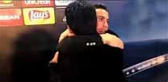 در آغوش گرفتن بوفون توسط رونالدو حین مصاحبه بعد از بازی دیشب/فیلم