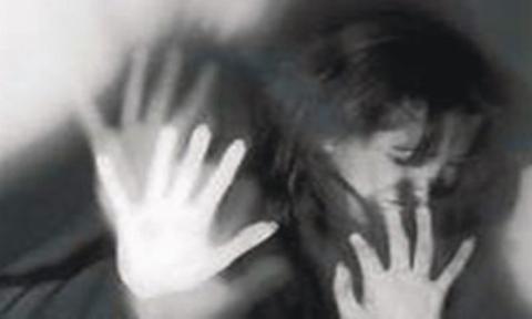 قاری قرآن در پاکستان به خاطر آزار و اذیت دختر بچه 8 ساله به شدت تنبیه شد