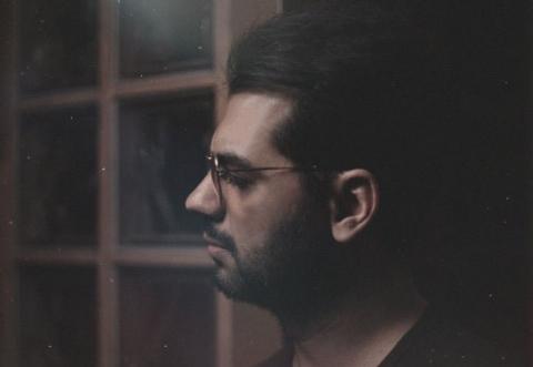 آهنگ زیبای شهاب رمضان به نام صدات تو گوشمه را برای اولین بار از تی وی پلاس بشنوید و دانلود کنید