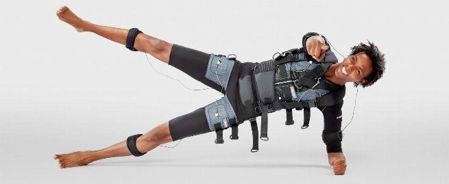 گزارشی از عجیب ترین لباس ورزشی در دنیا که در 20 دقیقه چربی ها را آب و عضلات را تقویت میکند