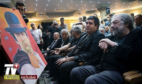 مراسم ترحیم ناصرملک مطیعی و وداع تلخ ستاره ها / ویدیوی اختصاصی تی وی پلاس