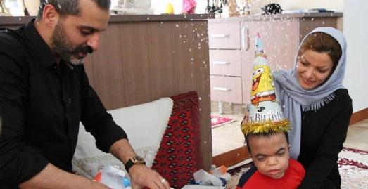جشن تولد خصوصی بازیگر تلویزیون ایران درغافلگیرانه ترین شب زندگی یک مادر و پسر زیبایش/علیرام نورایی بعد از دو سال دلپذیرترین مهمانی یک خانواده اصیل ایرانی ر را برپا کرد