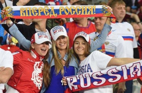 پلنگ های روسی، به دنبال یوزهای ایرانی!/ ماجرای خواستگاری دخترهای خارجی از فوتبالیست های خوشتیپ ایران