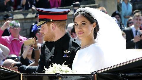 اظهارنظر میکاپ آرتیست سرشناس ایرانی درباره عروس سلطنتی ملکه انگلیس: ساده و باشکوه بود/ رونمایی مژگان دادفر از محبوب ترین میکاپ سال 2018