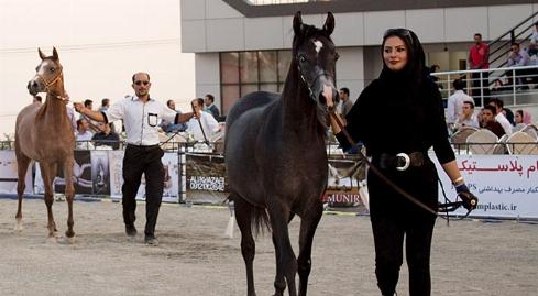 کمدین مشهور تلویزیون مهمان ویژه بزرگترین گردهمایی دوستداران حیوانات در تهران/گزارش ویژه تی وی پلاس از اولین روز نمایشگاه صنعت اسب و حیوانات همزیست در نمایشگاه شهر آفتاب