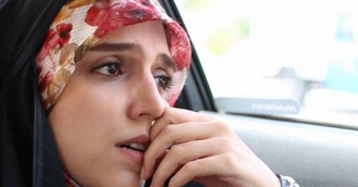 اشک های مجری زن تلویزیون وقتی یک زن و شوهر درد و تنهایی هایشان را جلوی دوربین فریاد زدند/مژده لواسانی سفیر مهربانی قسمت بیست و چهارم بگوسیب