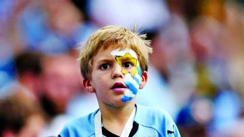 خلاصه بازی اروگوئه 0 - فرانسه 2 (جام جهانی 2018 روسیه)