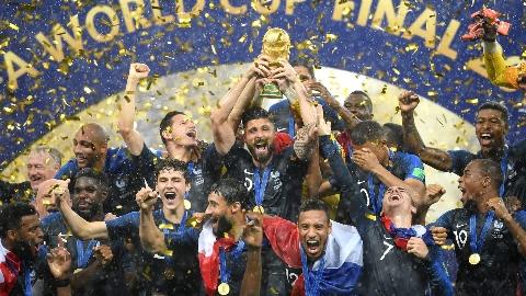 جشن باشکوه قهرمانی تیم ملی فرانسه (جام جهانی 2018 روسیه)