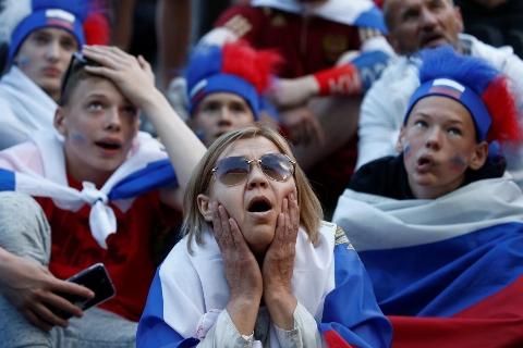 خلاصه بازی اروگوئه 3 - روسیه 0 (جام جهانی 2018 روسیه)