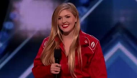 ویدیو لحظه انفجار با دینامیت دختر جوان و زیبا در مسابقه استعداد یابی!