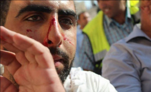 تصویر دوربین مداربسته از حمله وحشیانه به نمازگزاران در مسجد