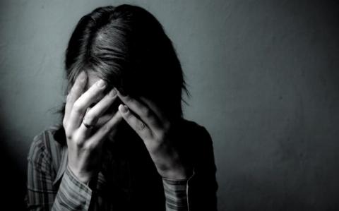 کنکور قربانی گرفت/ خودکشی دختر جوان به خاطر ترس از قبول نشدن در کنکور؟