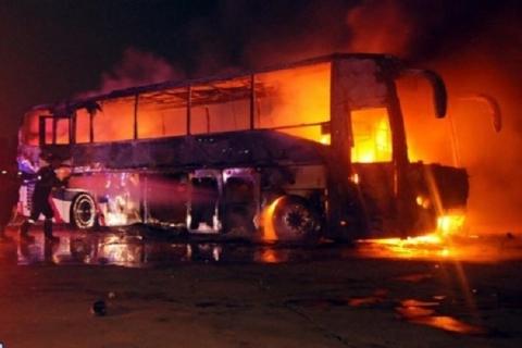 فیلمی از حادثه مرگبار تصادف اتوبوس و تانکر حمل سوخت در جاده کاشان به نطنز