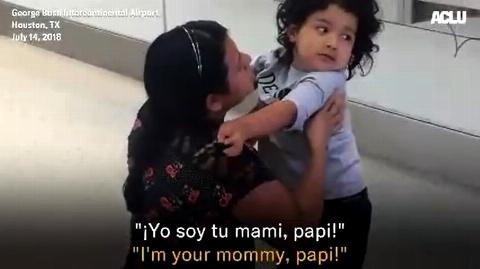 واکنش های دردآور پسربچه ای که بعد از ماه ها پدر و مادرش را می بیند