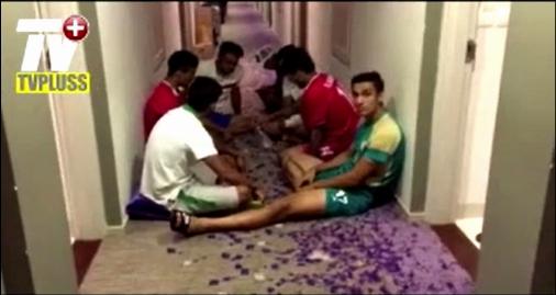 فوری: ویدیویی از وضعیت شرم آور بازیکن های تیم ملی ایران وقتی گُشنگی دادشان را درآورده
