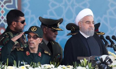 لحظه مطلع شدن رئیس جمهور روحانی از حمله تروریستی اهواز و ترک مراسم رژه نیروهای مسلح در تهران