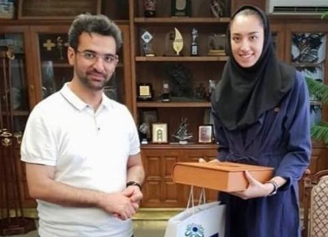 واکنش وزیر ارتباطات به عکس پرحاشیه اش با کیمیا علیزاده