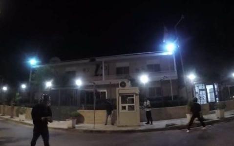 فیلمی از حمله به سفارت ایران در یونان