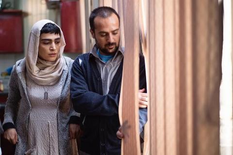 دعوت جسورانه یک کارگردان از علم الهدی برای دیدن یک فیلم: موسیقی از علوم رسمی حوزه های ما بود/ برای گرفتن مجوز ۴ سال دویدیم - احمدرضا معتمدی در گفتگو با تی وی پلاس