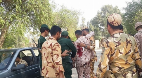ویدیو منتشر شده یک سرباز از لحظه تکان دهنده تیراندازی و حمله تروریستی در مراسم رژه نیروهای مسلح در اهواز