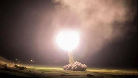 اولین فیلم منتشر شده از حمله موشکی بامداد امروز سپاه به مواضع داعش در سوریه