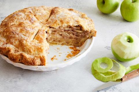 همه جای دنیا مردم برای این کیک پرطرفدار ساعت ها صف می کشند/ طرز تهیه پای سیب، خوشمزه ای که عاشقش می شوید