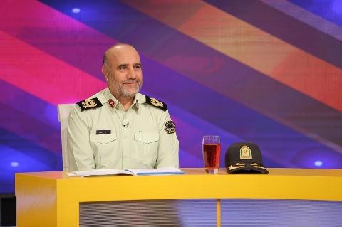 گزارش کشف یک بسته مشکوک در اتوبان شهید باكری روی آنتن زنده تلویزیون!