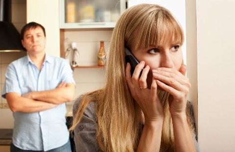 هشدار: این خانم ها به همسرشان خیانت می کنند!/ اگر خیانت کردید یعنی برای خودتان ارزش قائل نشدید/ با مردان قاطعانه برخورد کنید - دکتر پوریا پاکرو در تی وی پلاس راهکارهای موفقیت در زندگی مشترک را توضیح می دهد