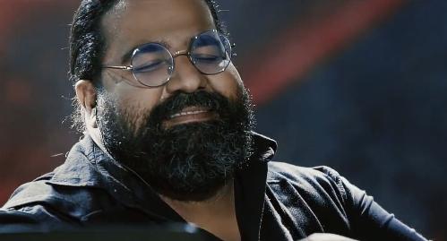 """موزیک ویدیو زیبای رضا صادقی را با نام """" همه ی اون روزها """" حتما ببینید"""