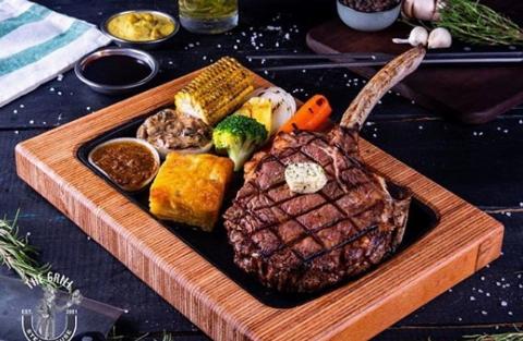 این رستوران سوپرلوکس، بهشت استیک بازهای معروف تهران است/دِگریل؛ لذیذترین شب زندگی تان را در لذیذترین خیابان ایران رقم بزنید