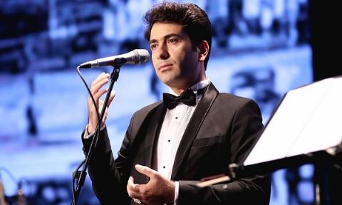 متلک سنگین خواننده سنتی مشهور ایران به ماکان بند: آهنگ شان یک عروسی را می ترکاند!/پدر شدن تجربه عجیبی بود که ترجیح دادم بیشتر برای آن وقت بگذارم تا موسیقی - در حاشیه رونمایی از جدیدترین آلبوم محمد معتمدی به نام «حالا که می روی»