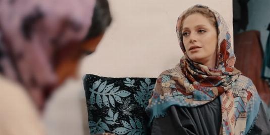 تصاویری متاثرکننده از دو دختر زیبای ایرانی در کوره های آجرپزی ورامین: ترک تحصیل کرده ایم و میان کارگرهای مرد پول درمیآوریم/نگین معتضدی مهمان قسمت بیست و ششم بگوسیب