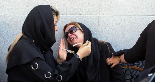 گریه هایی که بدرقه راه خندان ترین بازیگر ایران شد/سینمایی ها  ابراهیم آبادی را بدرقه خانه ابدی اش کردند/خاکسپاری غریبانه مردی که همه ایران دوستش داشتند - اختصاصی تی وی پلاس