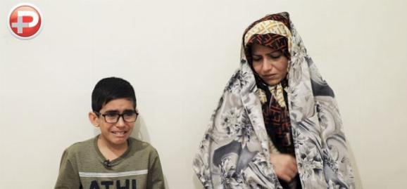 تصاویری دردناک از گریه های مادری که آتش گرفتن پسربچه 11 ساله اش زندگی شان را خاکستر کرده است: برای گرفتن وام دست فرماندارمان را هم بوسیدم اما دریغ از یک قدم/از خدا فقط مرگ می خواهم و سلامتی پسرم - اختصاصی تی وی پلاس
